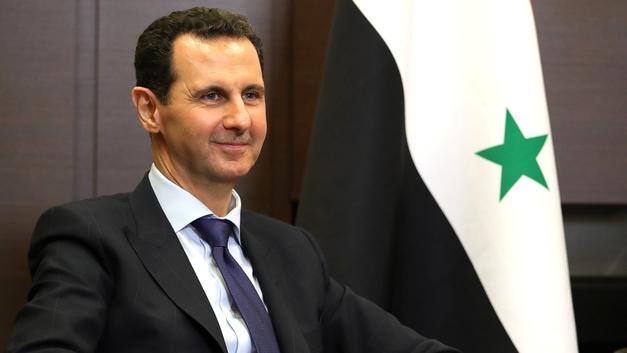 Асад с женой лично встретились с дочкой погибшего солдата САР, сдавшей экзамены на рекордный балл - фото