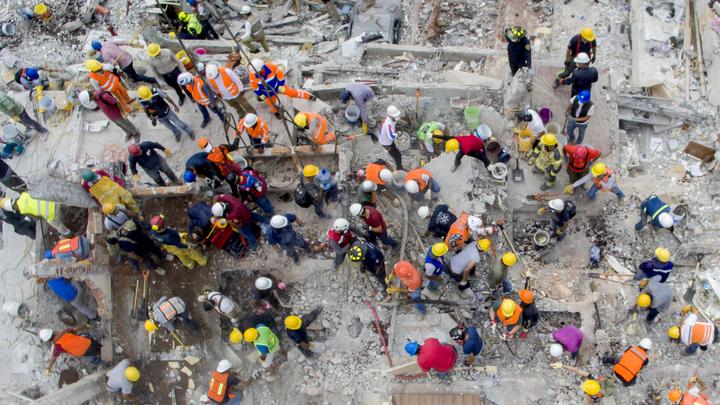 В Мексике спасатели продолжают поиски: Пропали около 200 человек