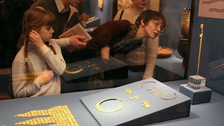 Украина против музеев Крыма: Как Киев не даёт вернуть скифское золото
