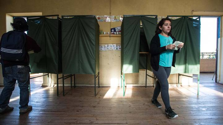 Аутсайдер всех удивил: Первый тур выборов президента Чили закончился сенсацией