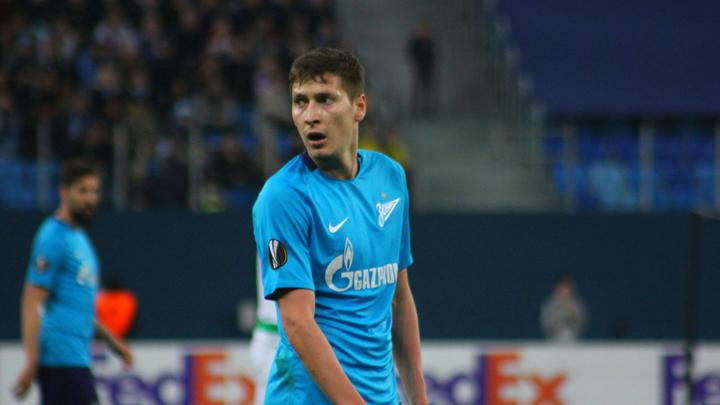 25-летний футболист сборной России признался, что ни разу не ходил на свидания