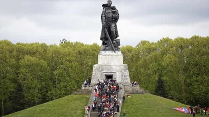 Празднование Дня Победы за рубежом: Как это было