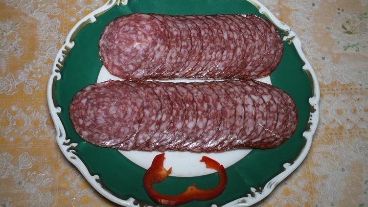 Сюрприз с прилавка: В Ростовской области в колбасе нашли вирус африканской чумы
