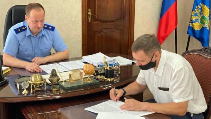 Руководителя дымящей в Калтане ГРЭС предупредили о наказании