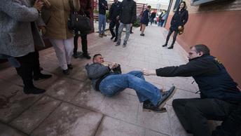 Мигранты устроили в Мадриде погромы после смерти торговца мороженым из Африки