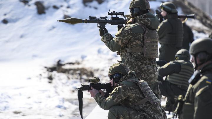 Эксперт предупредил о возможных украинских провокациях с химоружием или обстрелом мирного автобуса на Донбассе