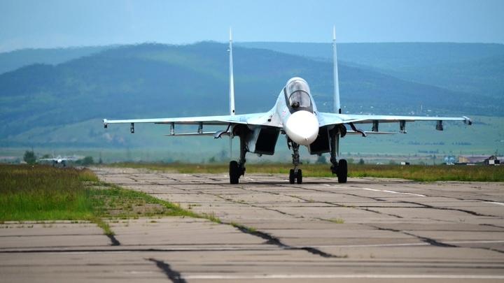 Американские самолёты-разведчики развернули от границы России