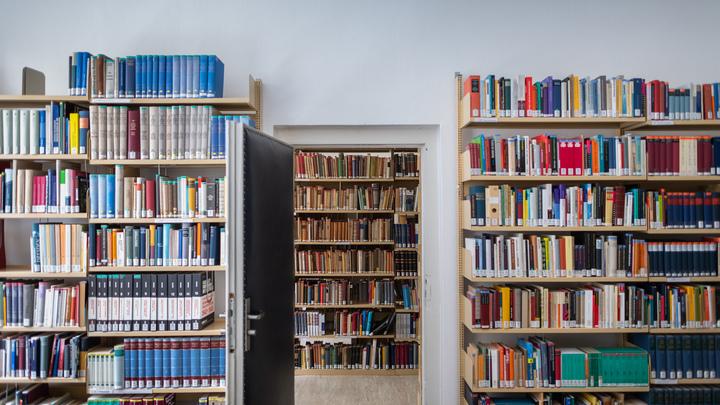 Сегодня в Ереване русских книг стало больше