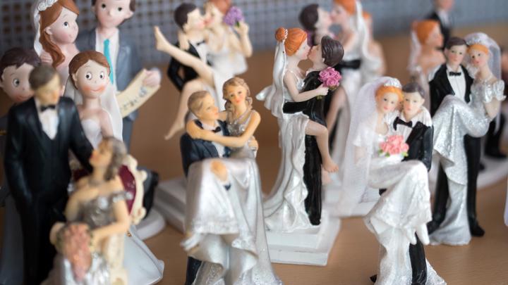 Родители, давайте раскошеливайтесь: Депутат Плетнёва назвала популярную причину браков у молодёжи