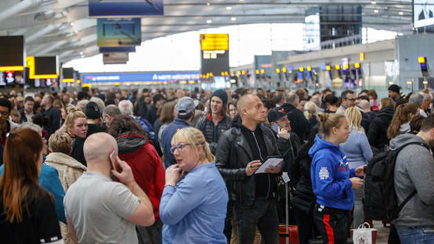 Британские СМИ напугали мир теоретическим применением «Новичка» в аэропорту