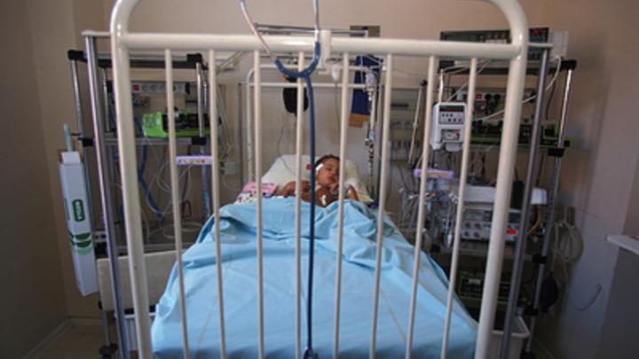 Новая связанная с COVID-19 зараза убивает детей: Вслед за Европой болезнь атаковала США