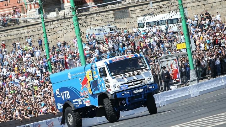 Экипаж КамАЗ-мастер принёс уже 17-ю победу России в ралли-марафоне Дакар