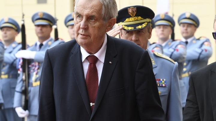 Абсолютная наглость: Президент Чехии намекнул на отказ от поездки на 75-летие Победы в Москву