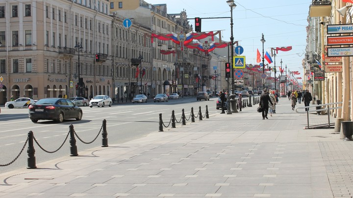 Флаги и лозунги азербайджанцев поставили на паузу центр Петербурга