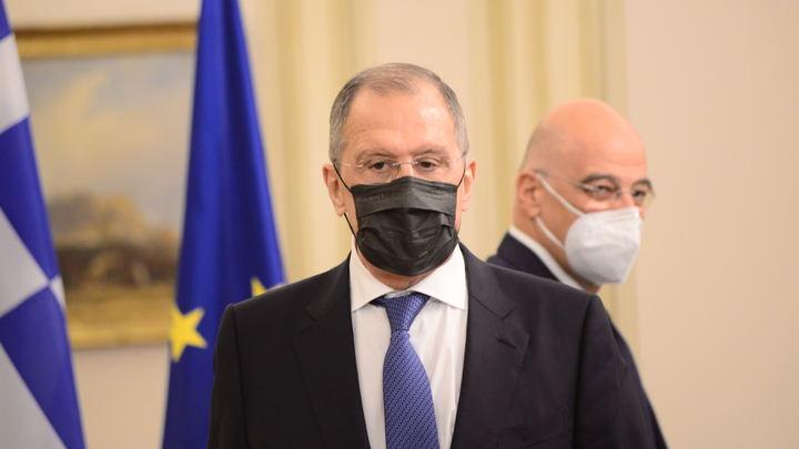 Сергей Лавров показал своё отношение к маскам одним видео