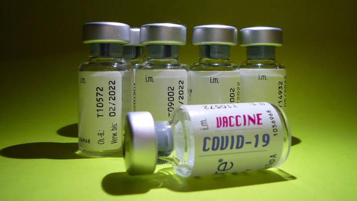 ЕС и США будут отрывать от себя?: Блогер дал ценный совет властям Украины по поводу вакцины