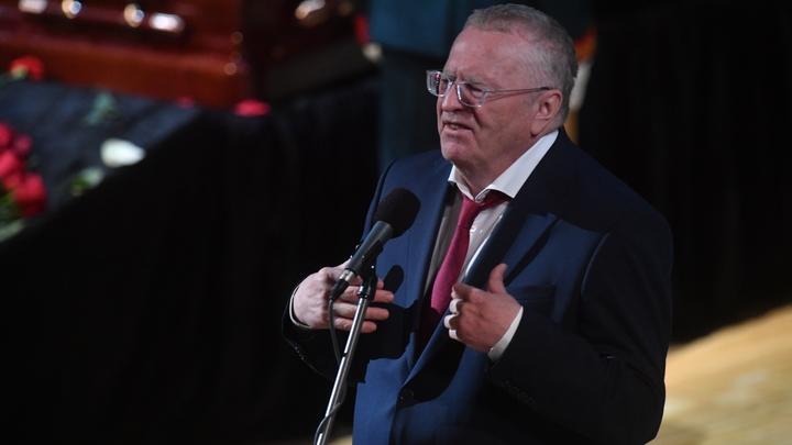 Еле сдержали старика: депутат Хинштейн рассказал о стычке с Жириновским в перерыве у Соловьева