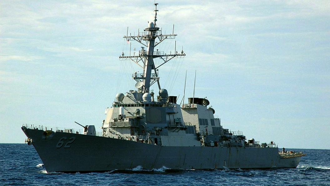 Американский эсминец испробовал новейшую боевую электронику вЧерном море