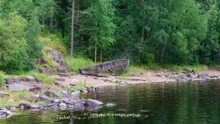 В опрокинувшейся лодке в Челябинской области находилось 9 человек, 4 спаслись