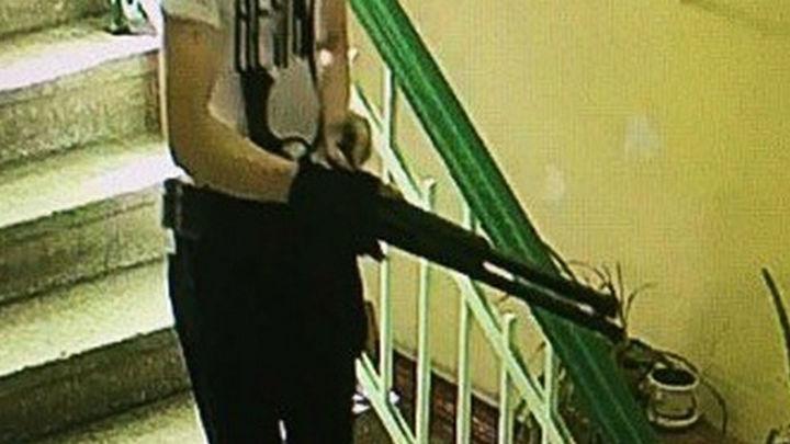 В Росгвардии настаивают, что лицензию на оружие Росляков получил по закону