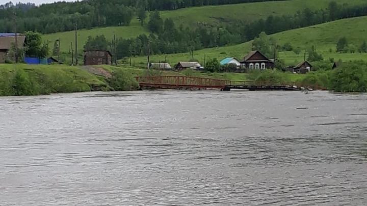 Десятки затопленных сел в Забайкалье остаются без электричества