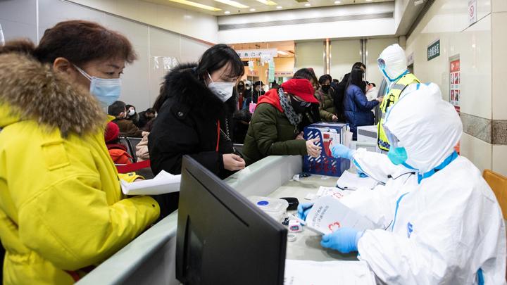 «Посылочки все получили?»: Могут ли отправления из Китая быть заражены новым смертельным вирусом