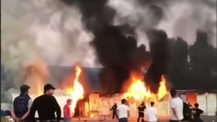 В Сочи на территории Олимпийского парка произошел сильный пожар