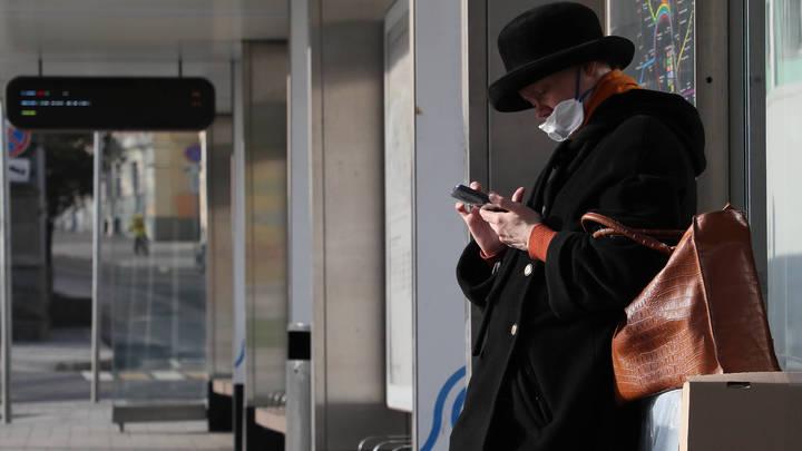 В кармане, в сумке, на подбородке - получится ли схитрить с ношением маски? Ответ адвоката