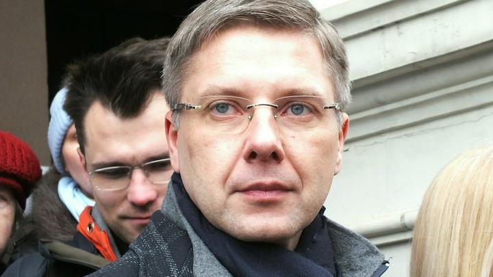 За экс-мэра Риги Нила Ушакова заступились почти 9 тысяч латвийцев