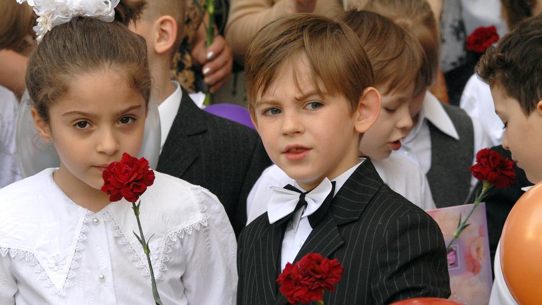 1 сентября в Москве: За безопасностью школьников будут следить 9 тысяч полицейских