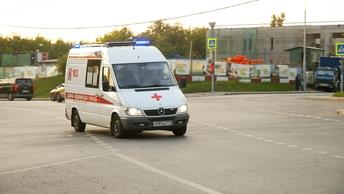 Пассажирский автобус перевернулся после столкновения с легковушкой под Иркутском