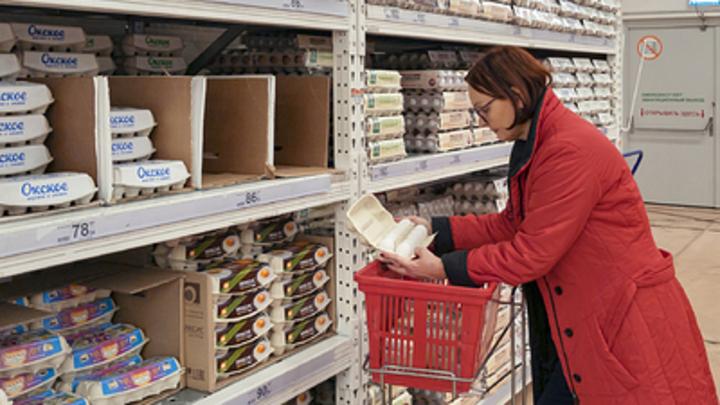 Продэмбарго и коронавирус ударили по магазинам: Ретейлеры готовятся к переходу на треш-формат