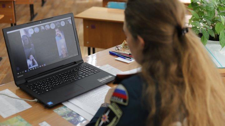 До конца 2021 года во всех школах Новосибирской области появится интернет