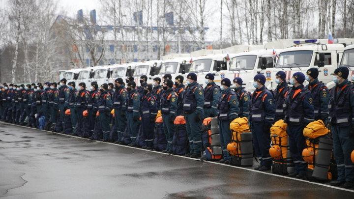 Взрывы и пожар в Москве: Спасатели выехали на место