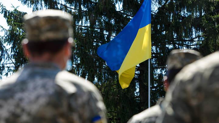 Украинский министр на фоне ржавых бочек объявил распродажу