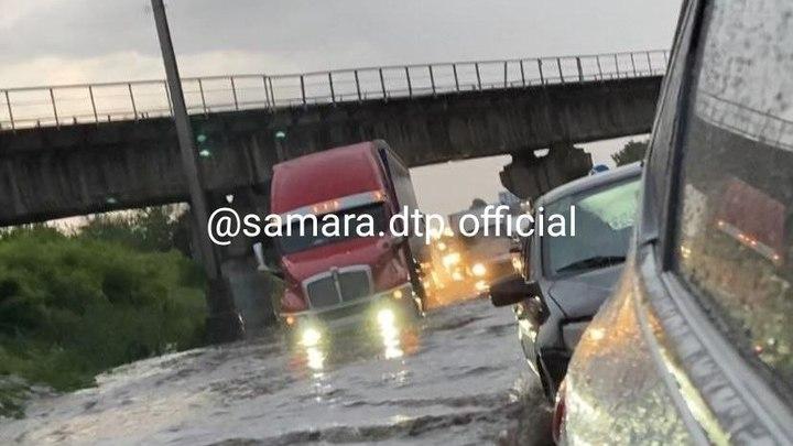 Тольятти утонул после ливня: пробки были во всех районах города