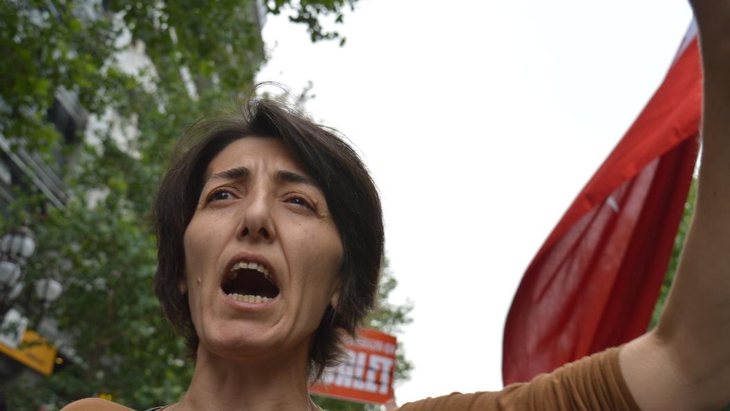 Содомиты присоединились к джинсовому маршу в Стамбуле против ношения традиционной одежды