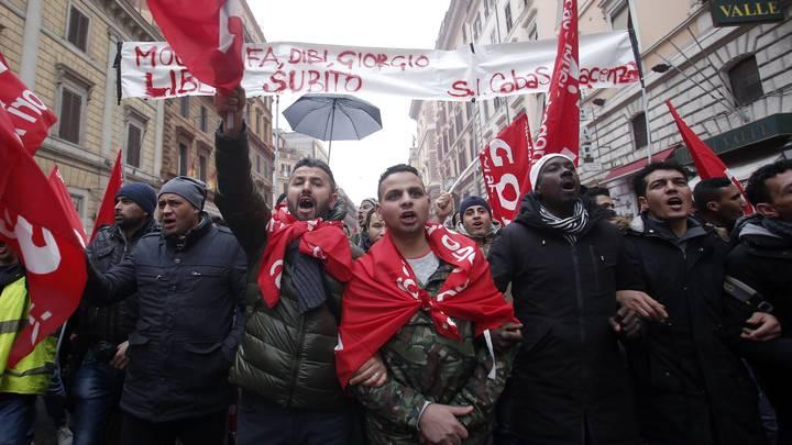 Мигранты устроили во Флоренции погромы с криками итальянцы - нацисты - видео