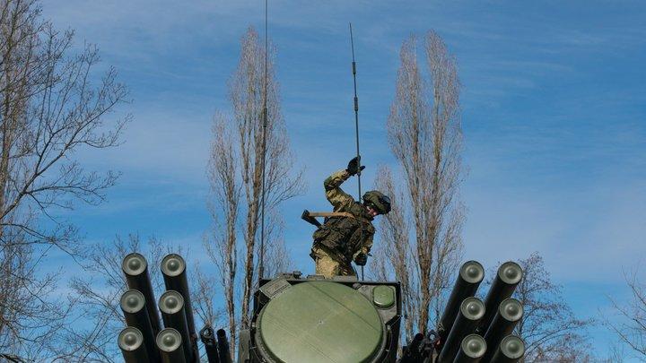В России испытали новую версию убийцы дронов - комплекс Панцирь-СМ