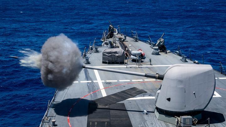 Русский сторожевой корабль взял на мушку эсминец ВМС США Porter в Чёрном море