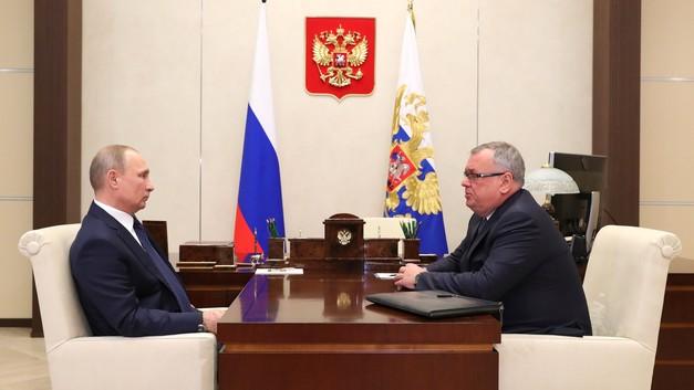 Глава ВТБ решил не играть за сборную США и просит Путина о помощи