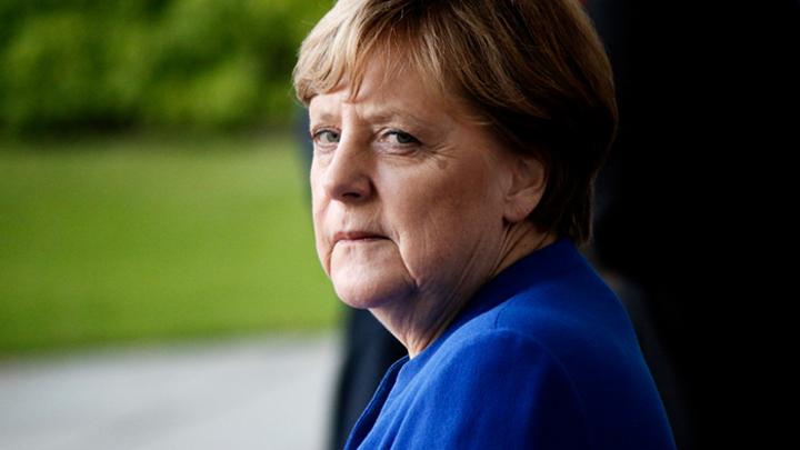 Всю трясёт, но «я в порядке»: Почему Меркель должна уйти