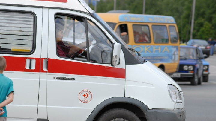Автобус перевернулся в Крыму у Керченской переправы