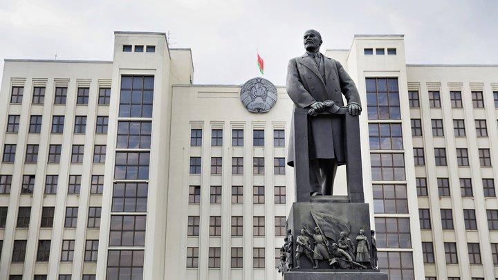 Новый Крым Путина оказался разменной монетой Европы и США: Политолог о сложной ситуации в Минске