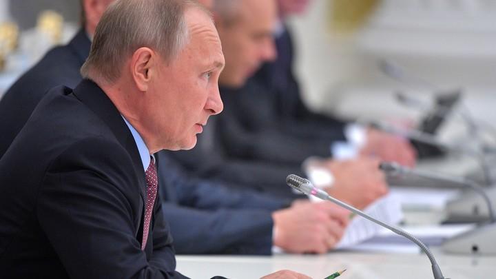 Путину показали бесшумный электромобиль российского производства
