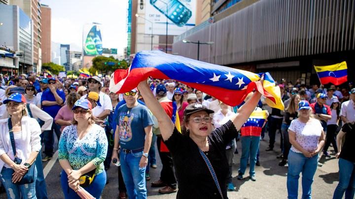 Индейцы Боливара взбунтовались против армии и взяли в заложники генерала