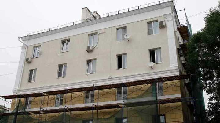 Работы еще не завершены: В Краснодаре сделали капремонт в 201 многоэтажке