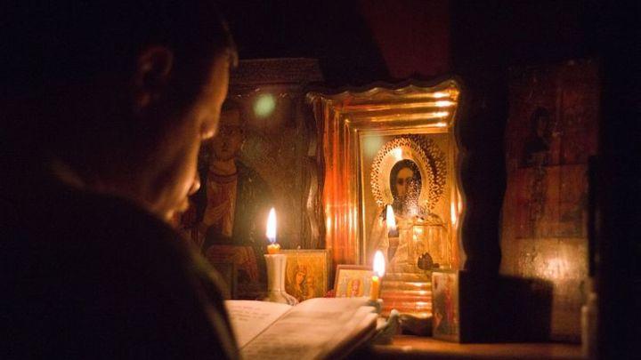 Принести жертву ради ближних: Почему Патриарх Кирилл благословил молиться дома