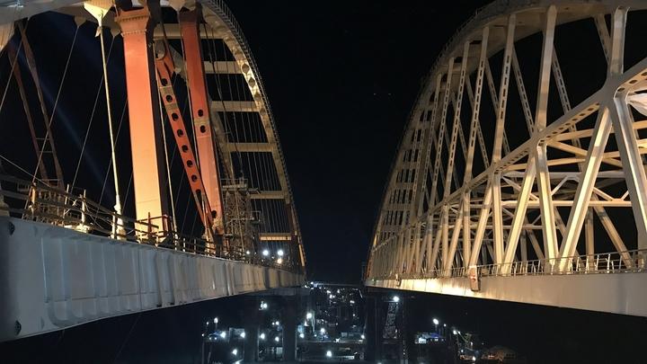По Крымскому мосту проедут наследники Николая II