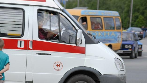 Устроивший ДТП у Славянского бульвара автобус выехал с вывернутыми колесами